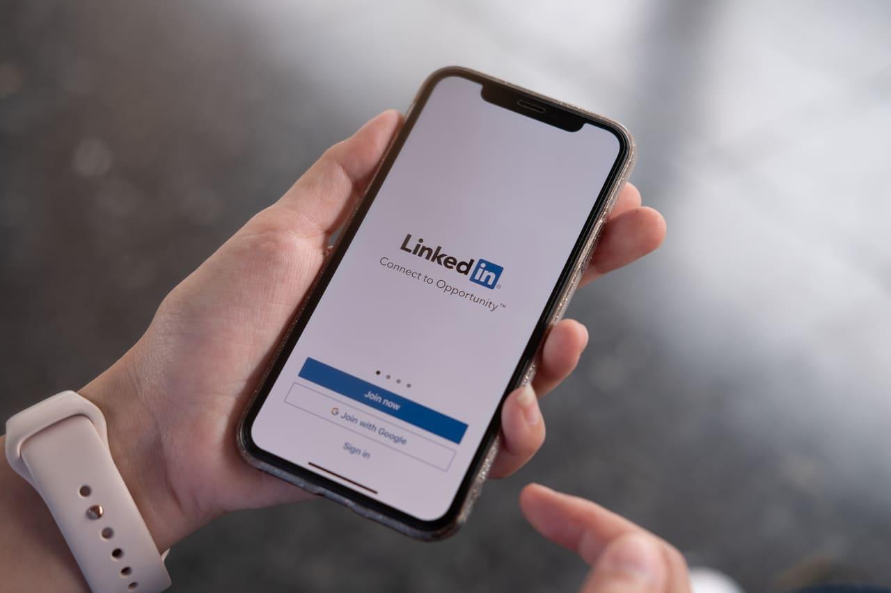 Czy warto mieć profil na linkedin